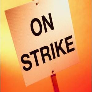 truckers strike Port of Los Angeles Long Beach